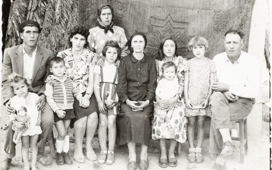 Fotografia de familie: privind la rămășițe
