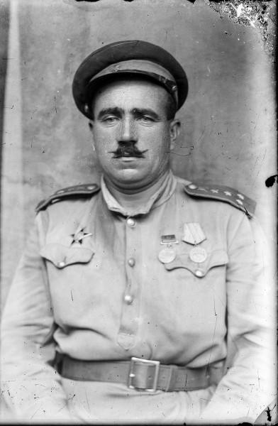 Căpitan sovietic de cavalerie, ținută de vară M1943.